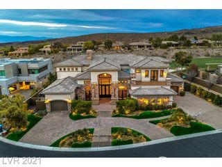 8 Paradise Valley Court