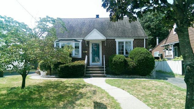 331 W Passaic Ave - Photo 1 of 1