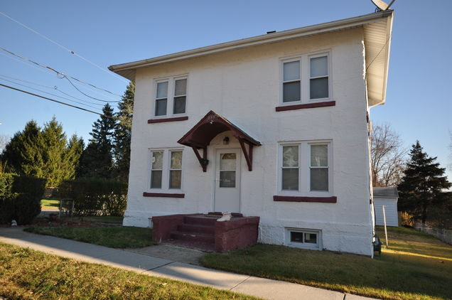 889 Gate St - Photo 1 of 20