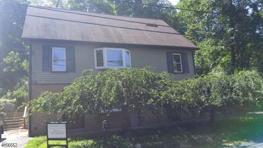 73 MAGEE RD