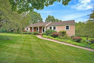 51 ROLLING HILL DR