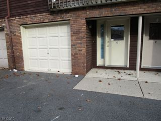 8 LEARY AVE Unit 8c