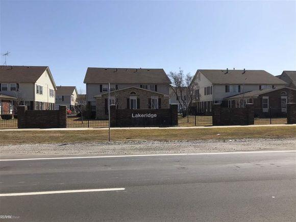 34748 Jefferson Ave - Photo 1 of 1