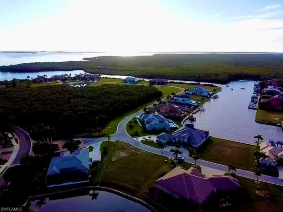 6047 Tarpon Estates BLVD - Photo 1 of 14
