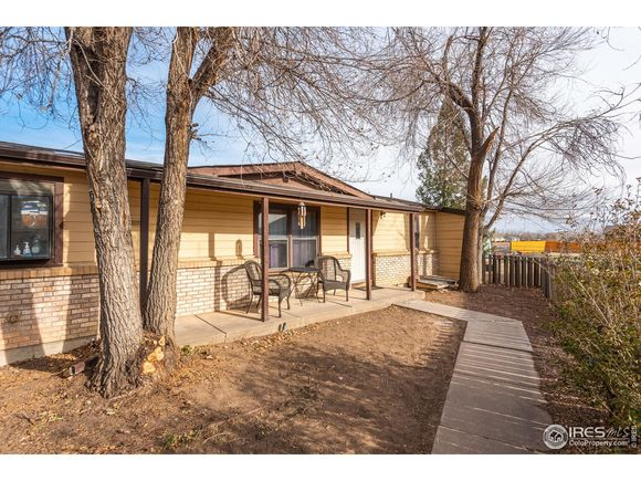 618 Lupine Dr - Photo 1 of 25