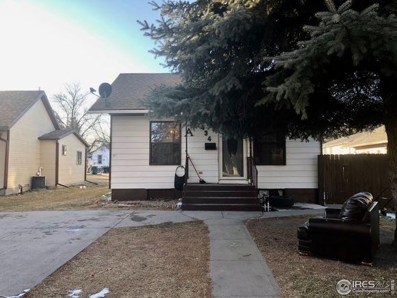 434 S Baxter Ave - Photo 1 of 19