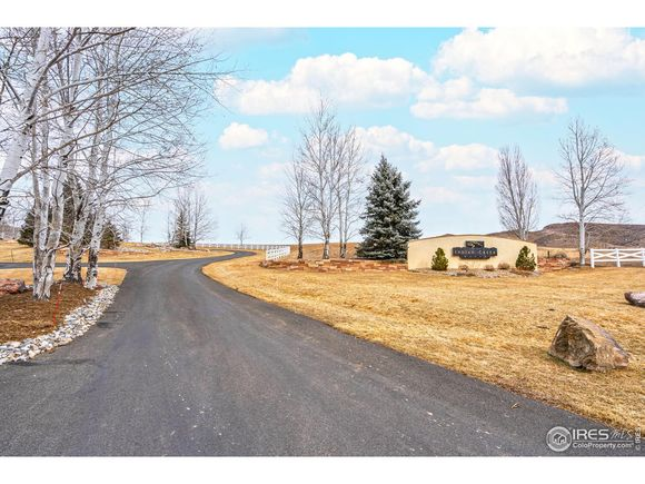 4336 Indian Creek Rd - Photo 1 of 28