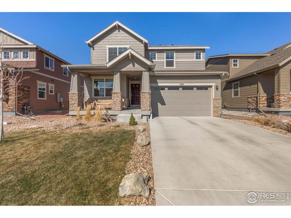 380 Seahorse Dr - Photo 1 of 34