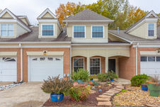 6684 Willow Trace Dr
