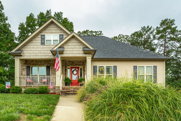 10191 Hunters Hollow Dr - Photo 1 of 42