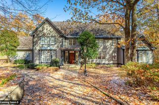 4 Woodhill Dr