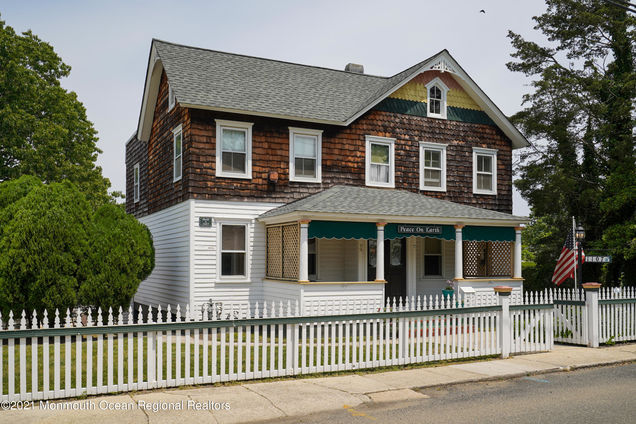 1107 Front Street - Photo 1 of 75
