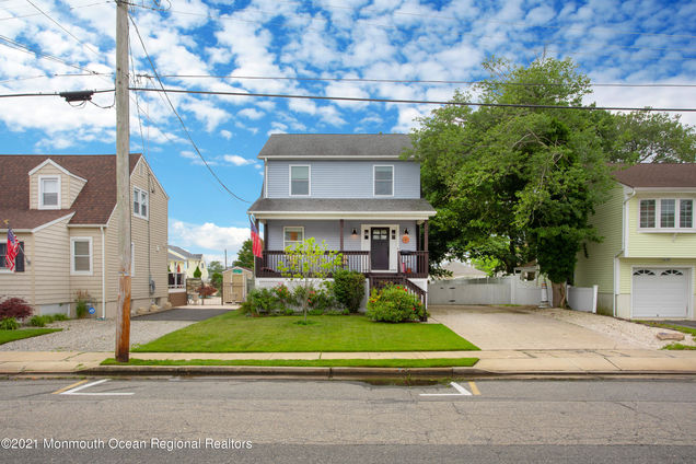 212 Central Avenue - Photo 1 of 50