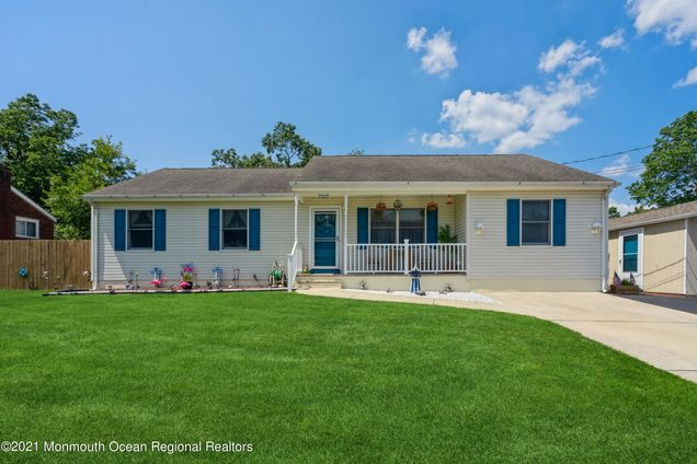 2207 Hollywood Drive - Photo 1 of 25