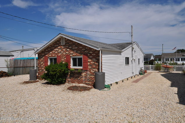 1121 Cape May Drive - Photo 1 of 37