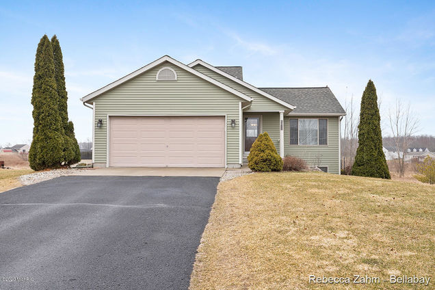 2180 Avalon View Drive - Photo 1 of 31