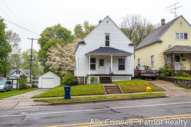 3 Ann Street NE - Photo 1 of 29
