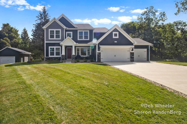 1476 Crystal Way Court - Photo 1 of 32
