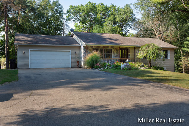 2285 Iroquois Trail - Photo 1 of 47