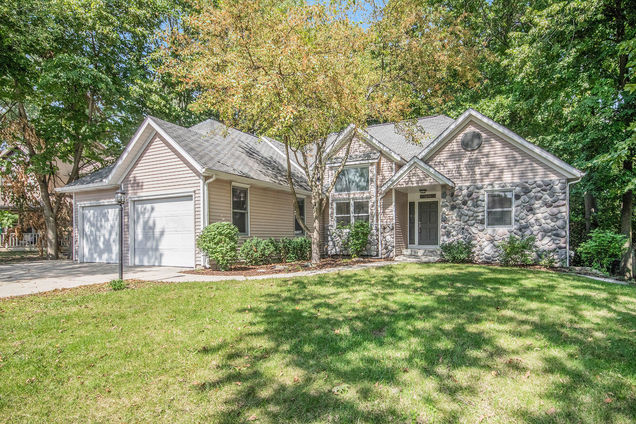 2573 Palm Dale Drive SW - Photo 1 of 27