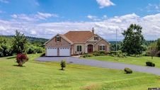 22 VALLEY VIEW DR