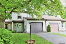 24 TALLOW WOOD DR