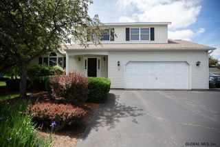 38 COPPERFIELD DR