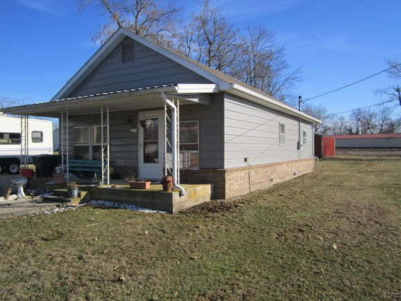 745 East Clinton Avenue, Seymour, MO 65746 - MLS# 60124508