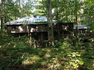 47 Burks Cabin LN