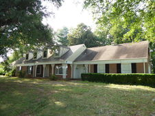 219 BARFOOT WEST RD