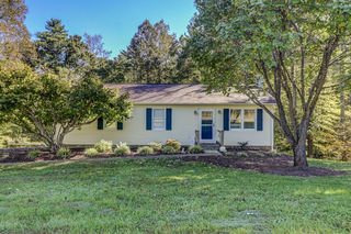 120 MOUNT AIRY RD