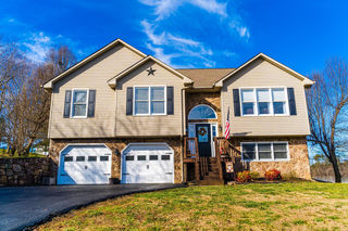 18 ORCHARD HILL DR