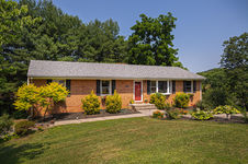 8124 Waterfall DR