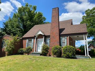 1109 Chatham Heights RD