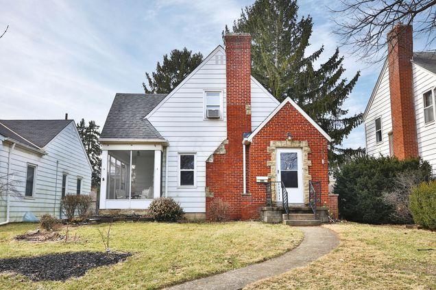 885 S Roosevelt Avenue, Bexley, OH 43209 - MLS# 219004802   Estately