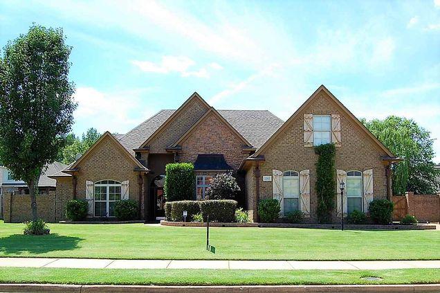 House For Sale In Lakeland Tn 38002 Mls 10004269 Estately