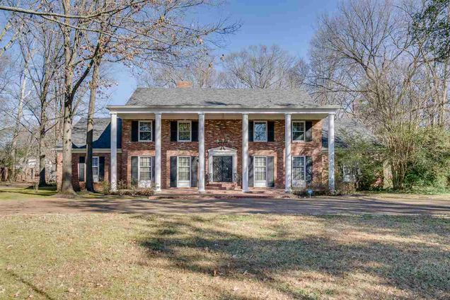 Terrific Colonial Acres Memphis Tn Real Estate Homes For Sale Home Interior And Landscaping Oversignezvosmurscom