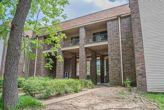 1857 W Poplar Woods Unit 1857
