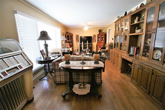 5093 Oak Meadow Memphis Tn 38134, Classic Oak Furniture Memphis Tn
