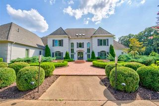 9141 Forest Bend