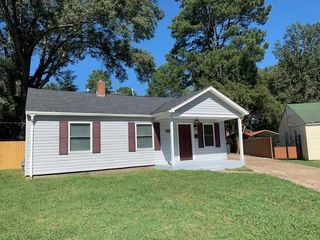 3938 N Rossiland