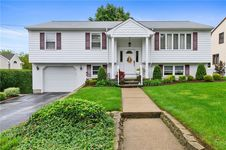 39 North Loxley Dr