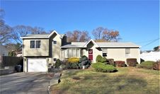93 Hollow Tree Dr