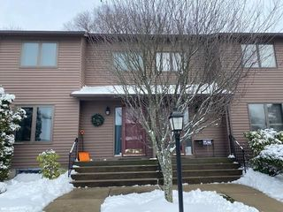 242 Mayfield Av, Unit#d Unit D