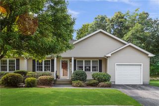 37 Carriage Dr