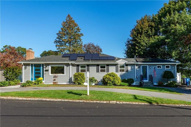 15 Glenmere Dr - Photo 1 of 37