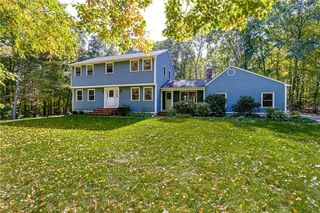 83 Winchester Dr