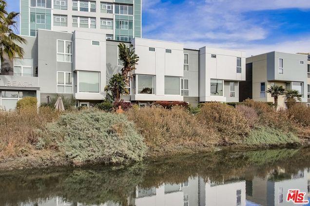 310 Washington Boulevard Unit803 - Photo 0 of 38