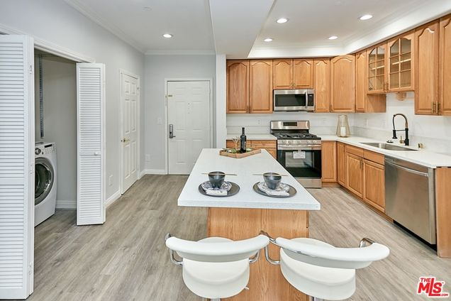 971 S St Andrews Place Unit103 - Photo 1 of 14