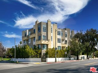 5525 W Olympic Boulevard Unit303